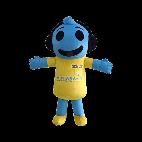 mascot malaysia DJ Mutiara FM hola mascot 2
