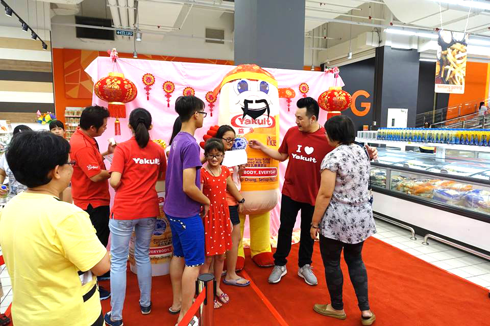 mascot malaysia supplier hola mascot client yakult 3