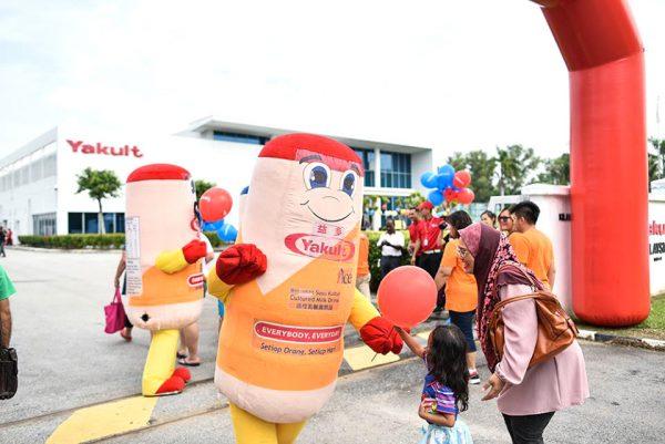 mascot malaysia supplier hola mascot client yakult 2