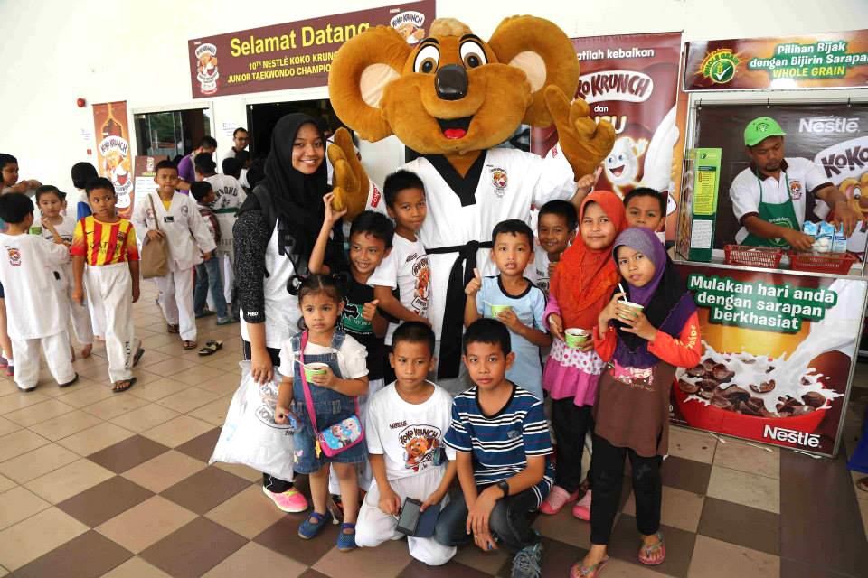 custom made mascot nestle koko krunch Hola Mascot Event 4